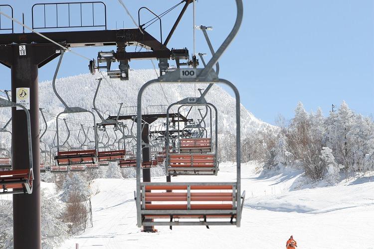 新潟県のスキー場ホテルで友人と一緒にリゾートバイト