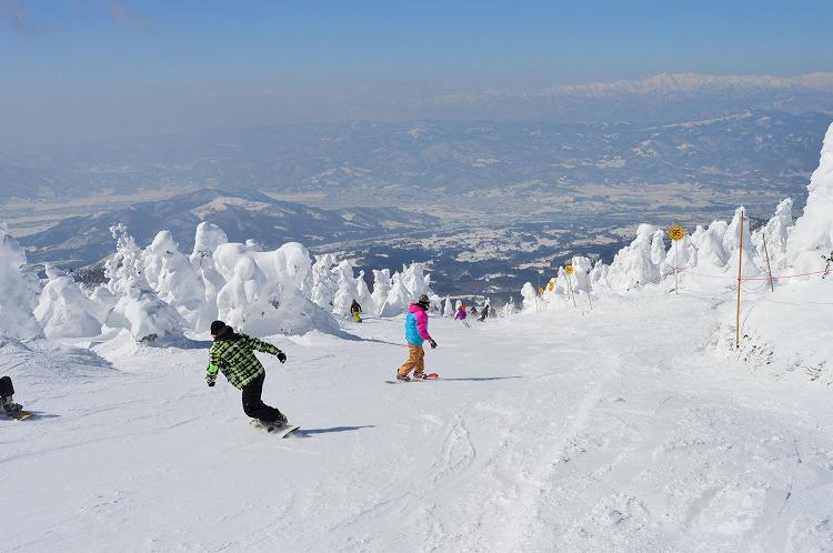 長野県の斑尾高原スキー場で会社の休暇中にリゾートバイト