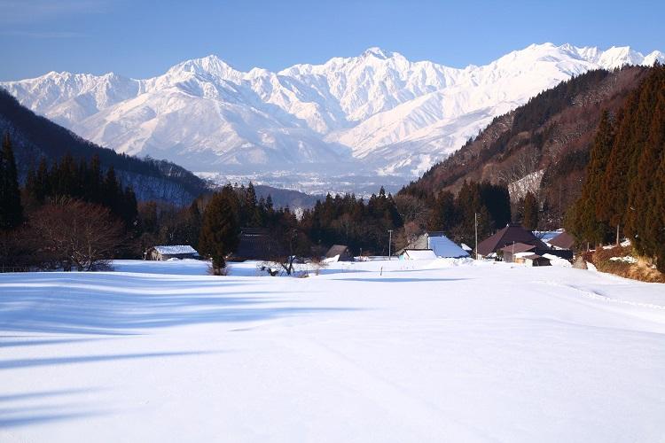 求人サイトでリゾートバイトを探して長野県白馬村のスキー場でアルバイト