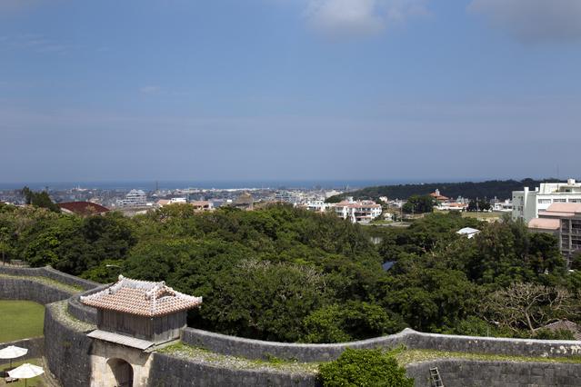 28歳で沖縄県那覇市にあるホテルのレストランで夏のリゾートバイト